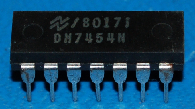 7454 - DM7454N 4-Wide 2-Input AND-OR-INVERT Gate, DIP-14