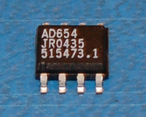 AD654JR Monolithic Voltage-to-Frequency Converter