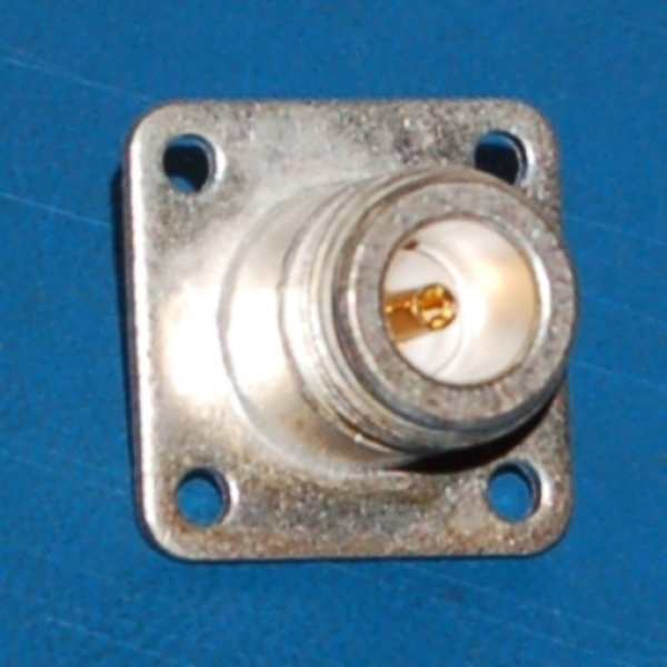 N-Type Female Connector x Solder Cup, 50Ω, Panel-Mount