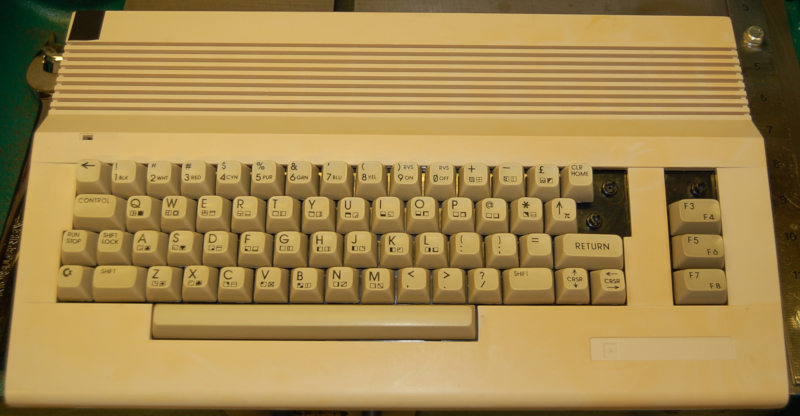 Commodore 64, Missing Keys, As-is / for parts