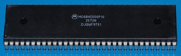 MC68HC000P10 Microcontroller, DIP-64