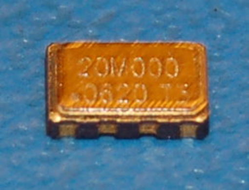 VTC4 Voltage-Controlled Temperature-Compensated Oscillator, 3.3V, 20.000MHz, 1ppm