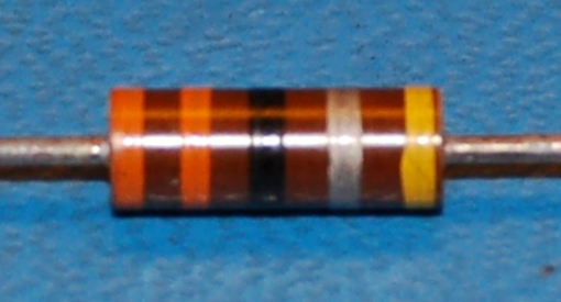 Carbon Composition Resistor, 1/2W, 10%, 33Ω