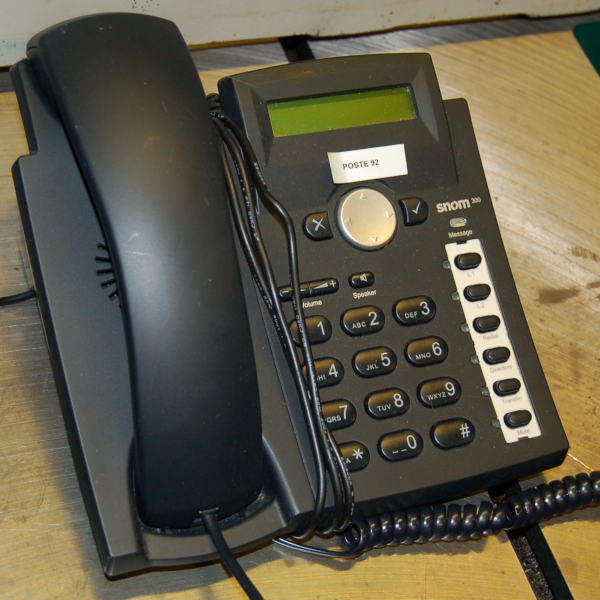 SNOM 300 VoIP Business Phone