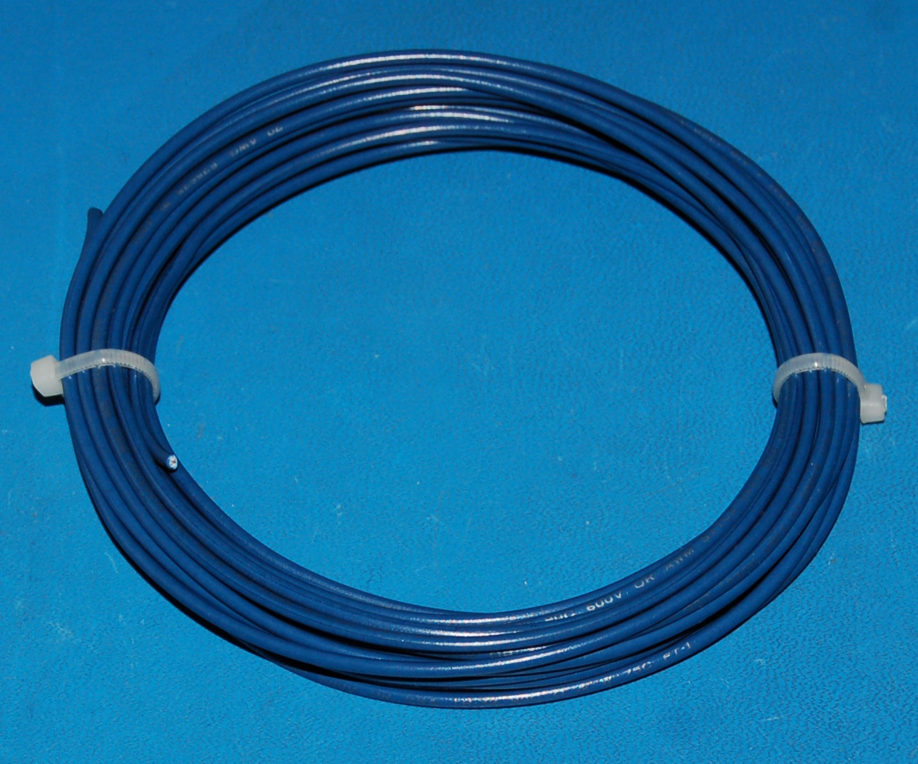 Solid Tinned Copper Wire, 600V, #20 AWG x 25' (Blue)