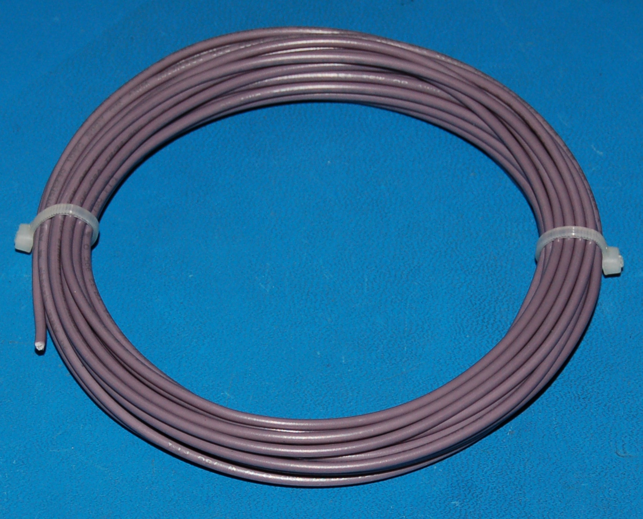 Solid Tinned Copper Wire, 600V, #20 AWG x 25' (Gray)