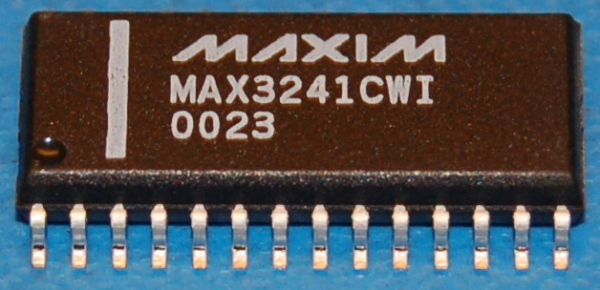MAX3241CWI Complete EIA-232 Interface (5 Drivers / 3 Receivers)