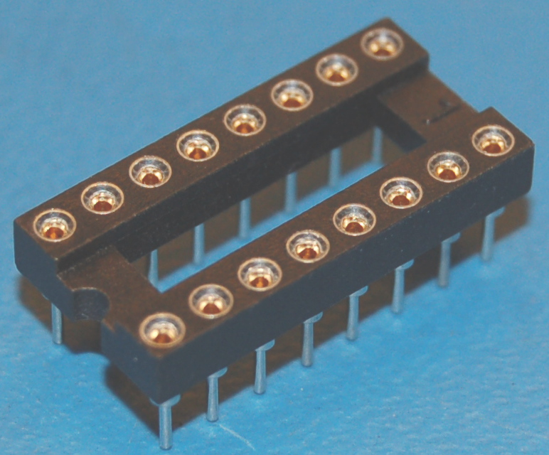 IC Socket, DIP-18 x Through-Hole